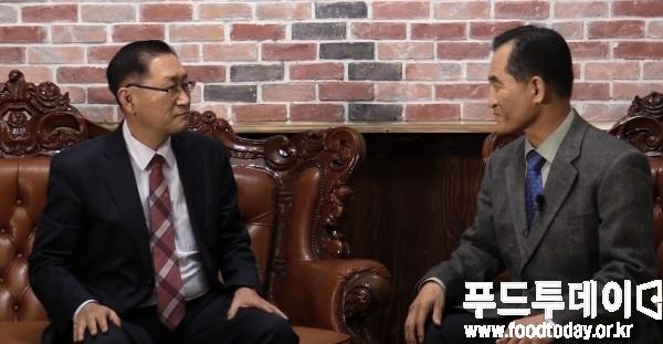 (좌측부터) 장건 한국할랄산업연구원장, 김진수 푸드투데이 논설실장
