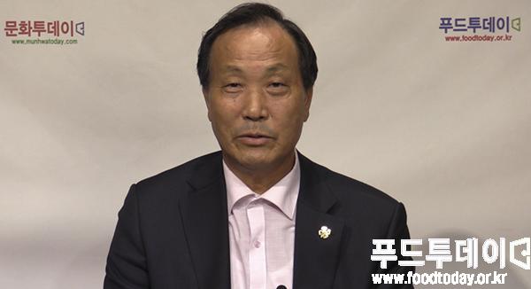 고문삼 제주국제감귤박람회 집행위원장이 푸드투데이 스투디오에서 인터뷰를 했다