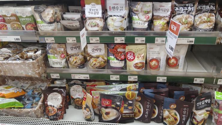 [업계는지금]'위기가 곧 기회'...코로나19 수혜 입은 식품기업은?